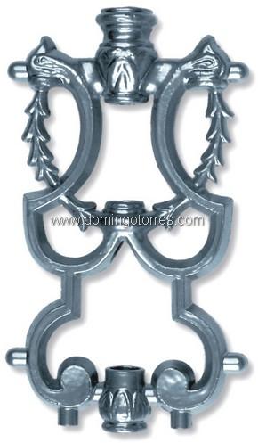 7-A Adorno aluminio