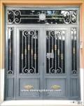 1004 Puerta forja y latón