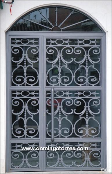 1009 Puerta hierro fundido y forja