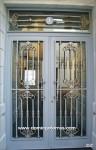 1021-Puerta forja y latón