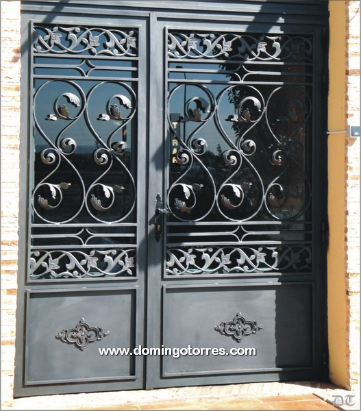 Puertas herreria hierro forjado pictures car interior design for Puertas hierro forjado