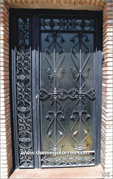 Puertas hierro forjado decoracion genuardis portal picture for Puertas de hierro forjado para casas