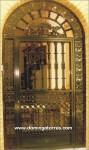 1041 Puerta forja y hierro fundido