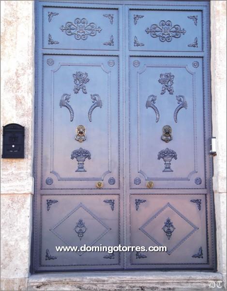 1055-Puerta forja latón hierro fundido