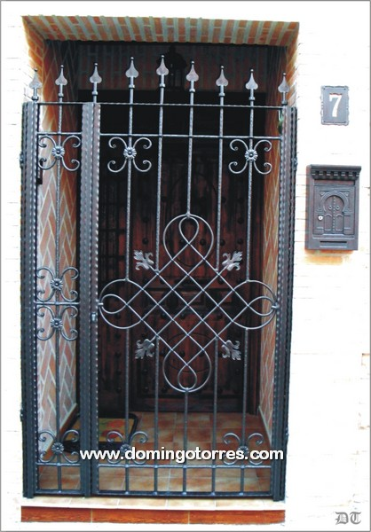 Cancela de forja moderna n 1570 forja domingo torres s l - Cancelas de hierro ...