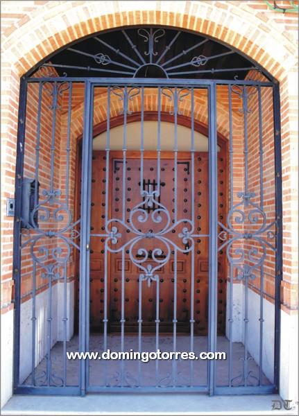 Puertas cancelas de hierro best cancela chapa perfil puerta con zocalo cuartern with puertas - Cancelas de hierro ...