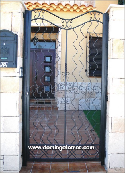 Cancela moderna de forja art stica n 1600 modelo zamora - Forja domingo torres ...