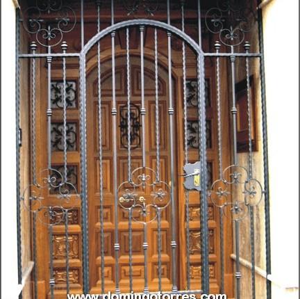 1665 Cancela forja artesana