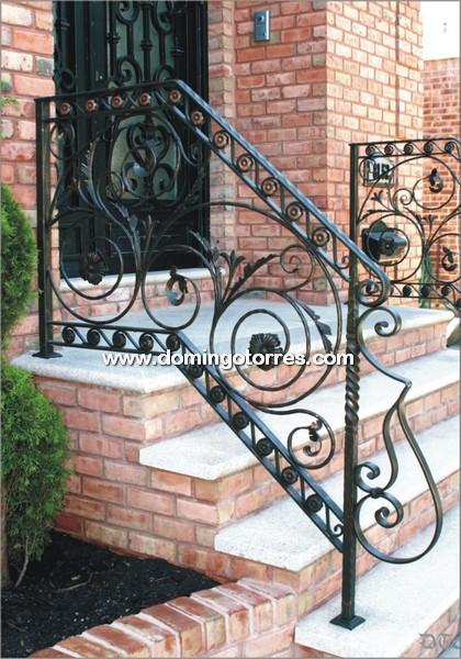 Baranda de forja art stica n 2003 con adornos de hierro - Barandas de forja ...