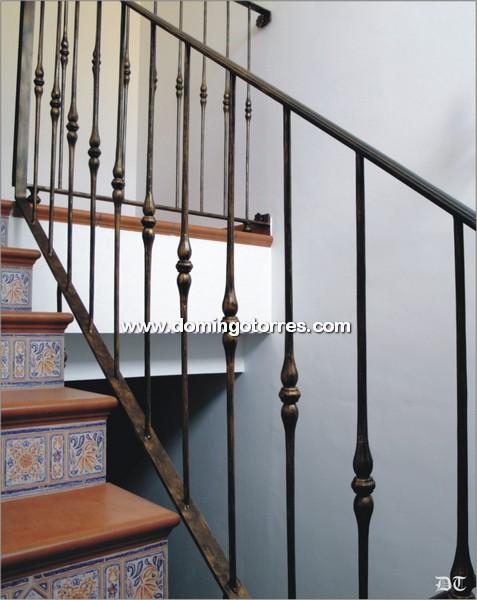 Baranda econ mica con balaustres de hierro forjado n 2084 - Barandas de forja para escaleras ...