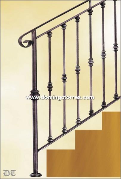 Escaleras de forja interiores torneados barandillas y - Domingo torres forja ...