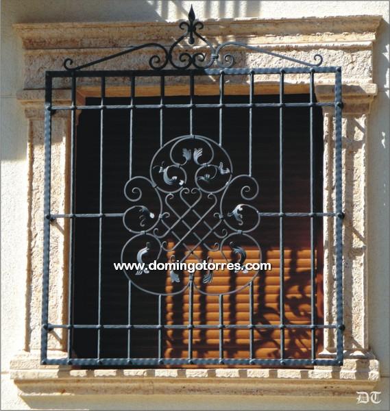 Barras ventanas macetas hierro forjado casa dise o - Domingo torres forja ...