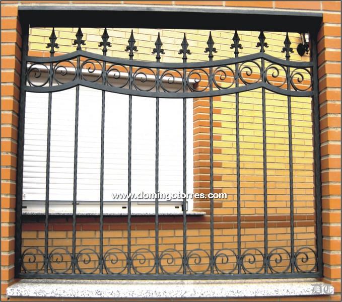 Rejas hierro barra car interior design - Rejas hierro forjado ...