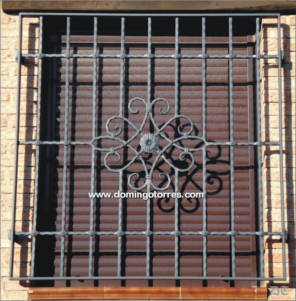 Ejemplo de reja de hierro forjado sencillo n 3059 forja domingo torres s l - Rejas de forja antiguas ...
