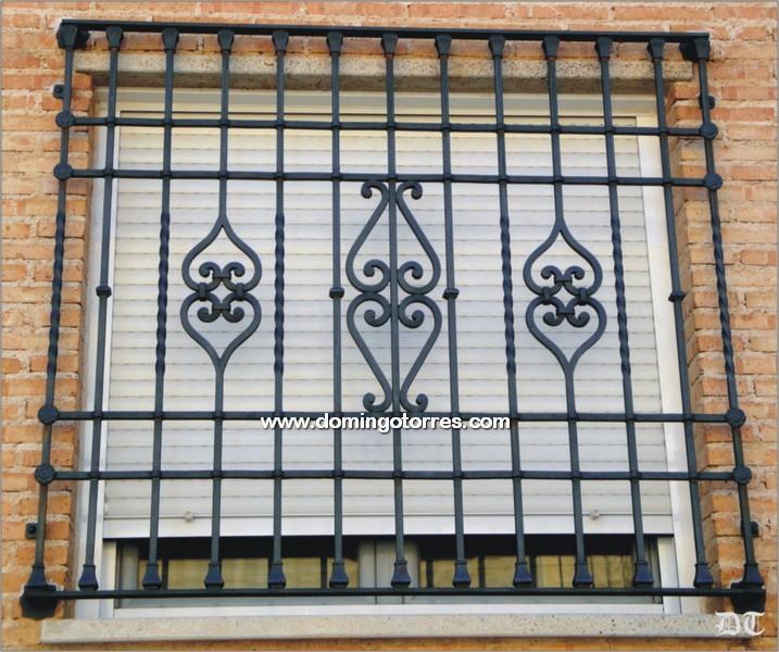 Rejas de hierro para ventanas interesting opciones para - Domingo torres forja ...