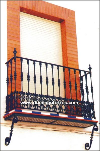 4111 Balcon hierro fundido y forja