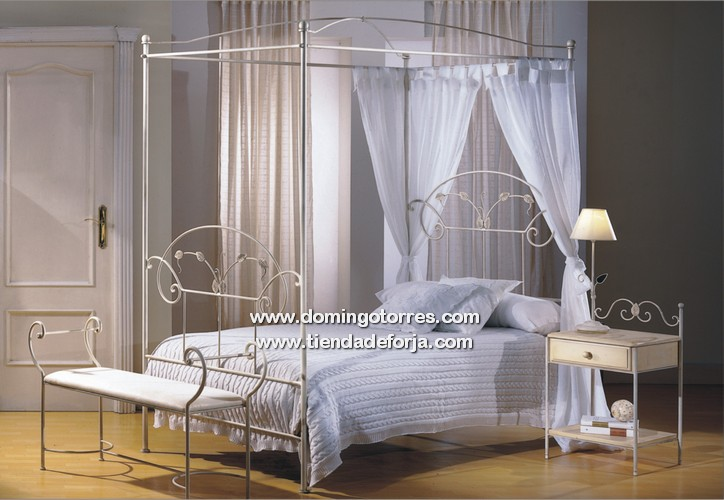 Pin camas herreria disenos rejas muebles 625x469 for Cabecero hierro forjado