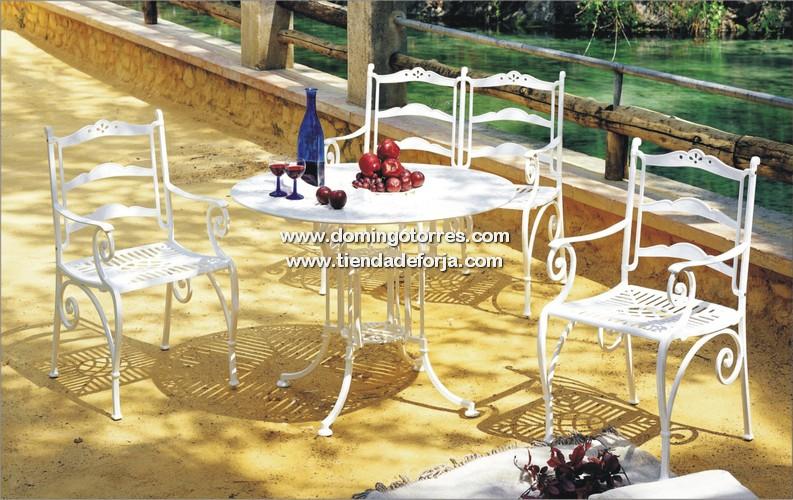 Mesa de aluminio sill n con brazos y sof banco de 2 y 3 for Bancos de forja para jardin