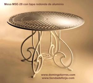 MSE-28 Mesa con tapa de cristal para jardín o terraza gaudí
