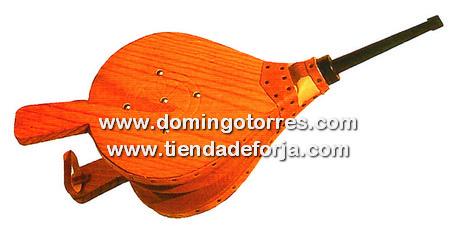 UC-12 Fuelle madera cañon hierro