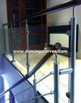 Nº8077 Baranda de acero inox con pasamanos madera y vidrio con pinzas