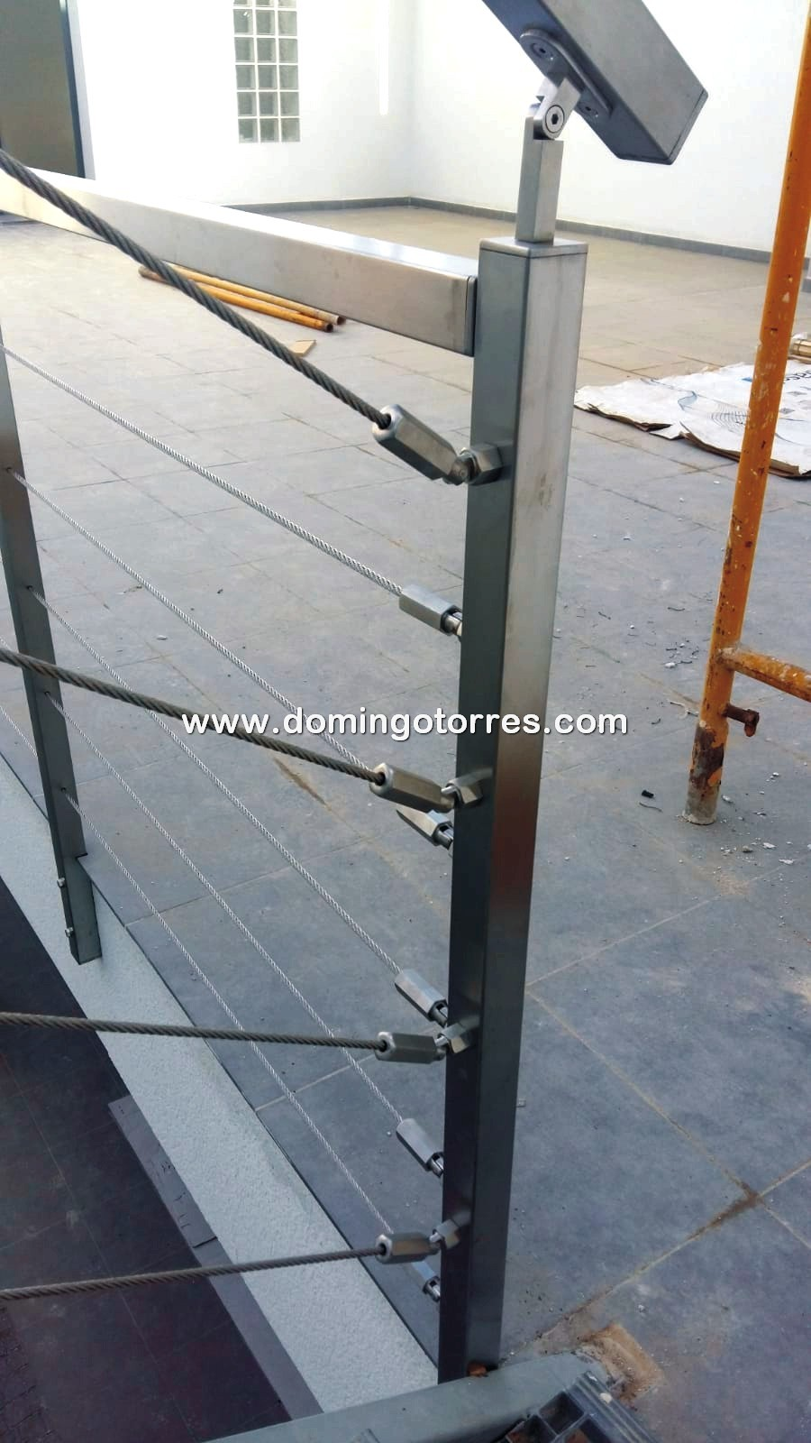 Nº8702 Barandilla con cables tensados de acero inoxidable