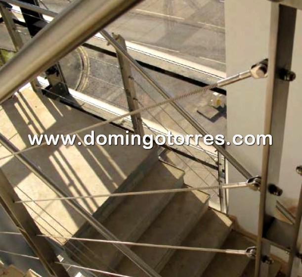 Nº8704 Foto baranda acero inoxidable con cable tensado